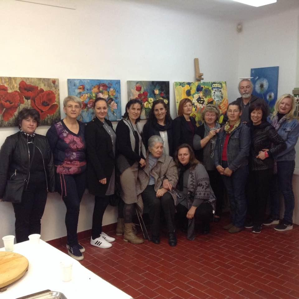 http://www.novigrad.hr/con_la_mostra_collettiva_cvijee_fiori_e_stata_celebrata_la_giornata_delle_p