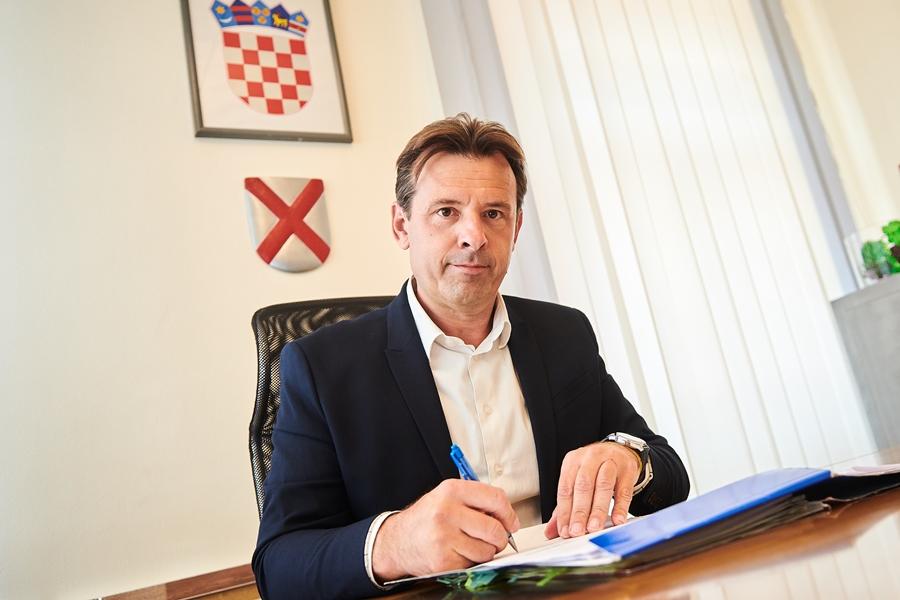 http://www.novigrad.hr/obraanje_gradonachelnika_antea_milosa_povodom_aktualne_situacije_sa_shirenj