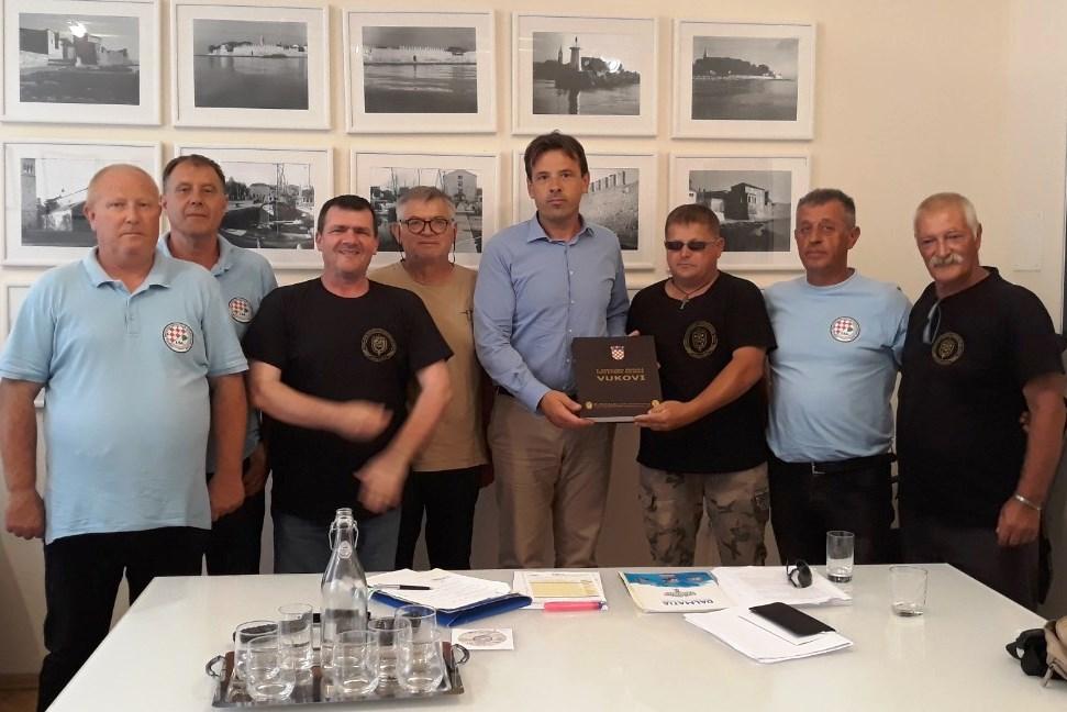 http://www.novigrad.hr/i_veterani_di_cittanova_hanno_partecipato_al_4_incontro_delle_associazioni