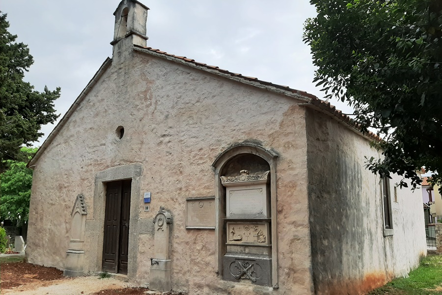 http://www.novigrad.hr/terminata_la_bonifica_della_chiesa_di_santagata_e_del_muro_del_vecchio_cimi