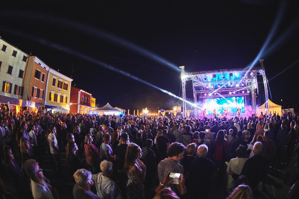 http://www.novigrad.hr/cittanova_ha_celebrato_il_santo_patrono_della_citta_con_una_grande_festa
