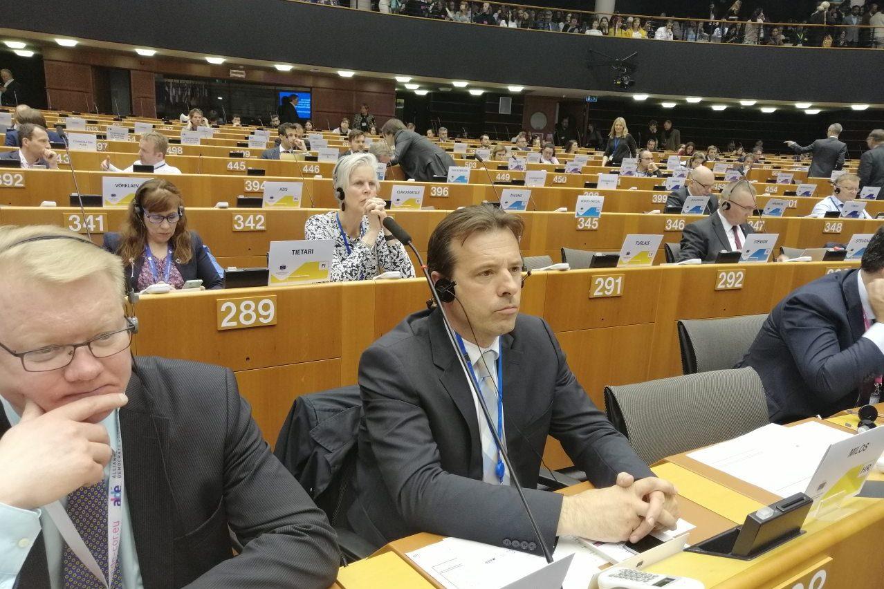 http://www.novigrad.hr/partecipazione_del_sindaco_di_cittanova_ai_lavori_del_comitato_europeo_dell