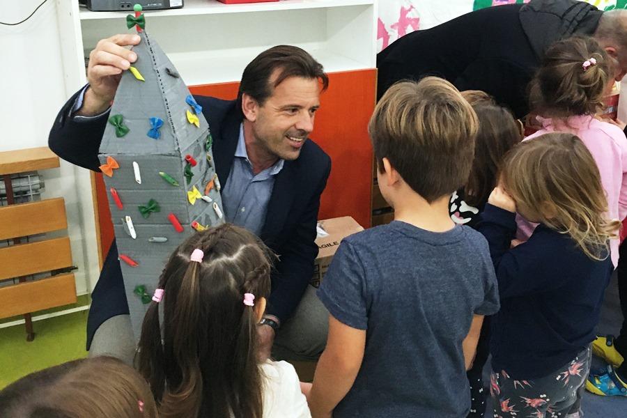 http://www.novigrad.hr/visita_del_sindaco_ai_bambini_delle_due_scuole_materne_cittanovesi