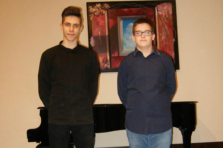 http://www.novigrad.hr/uspjeshan_nastup_mladih_glazbenika_na_10._danima_harmonike_u_porechu