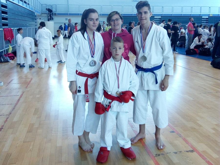 http://www.novigrad.hr/karate_klub_novigrad_rezultati_s_natjecanja