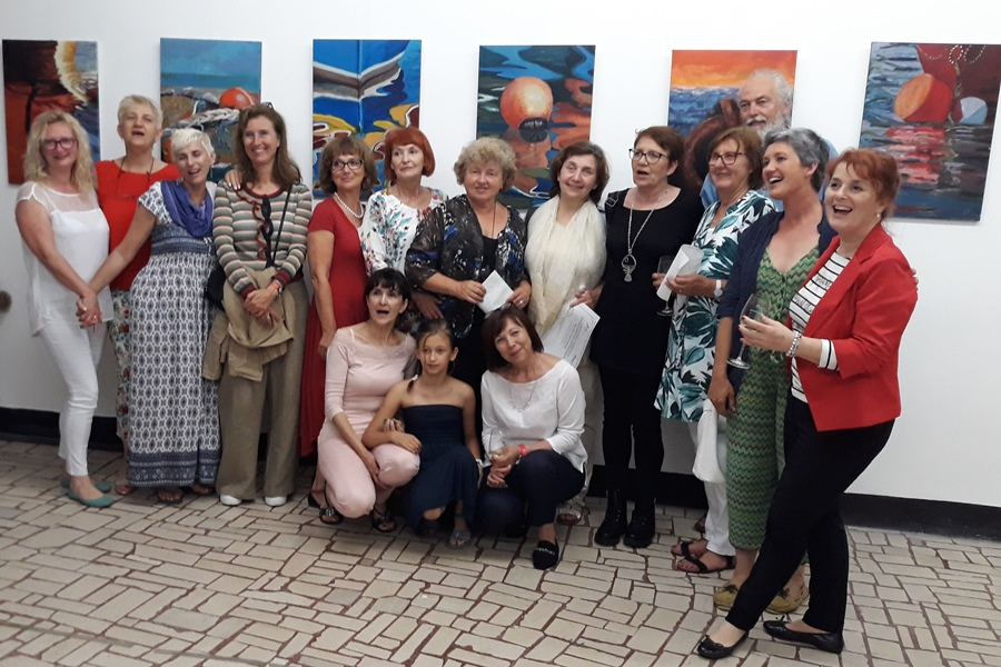 http://www.novigrad.hr/odrzhana_prva_likovna_kolonija_u_organizaciji_likovne_udruge_atelier_agata