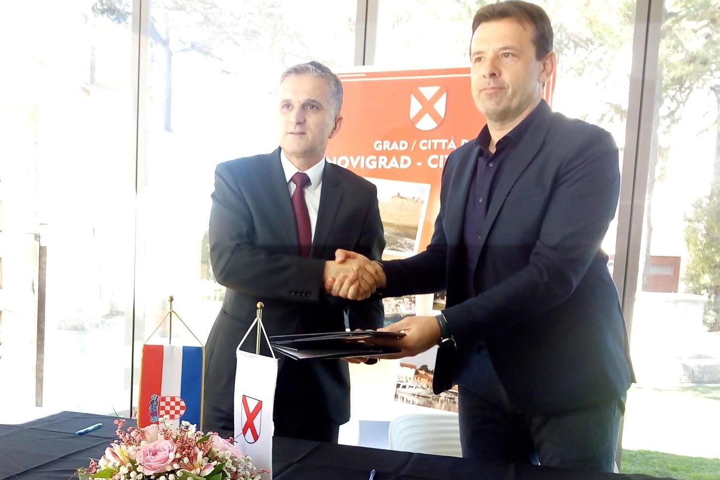 http://www.novigrad.hr/ministar_mari_i_gradonachelnik_milos_potpisali_ugovor_o_darovanju_zemljisht