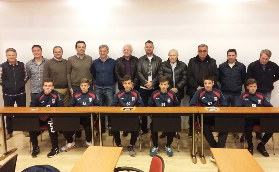 http://www.novigrad.hr/nk_novigrad_po_prvi_puta_dodijelio_sportske_stipendije_svojim_mladim_igrach