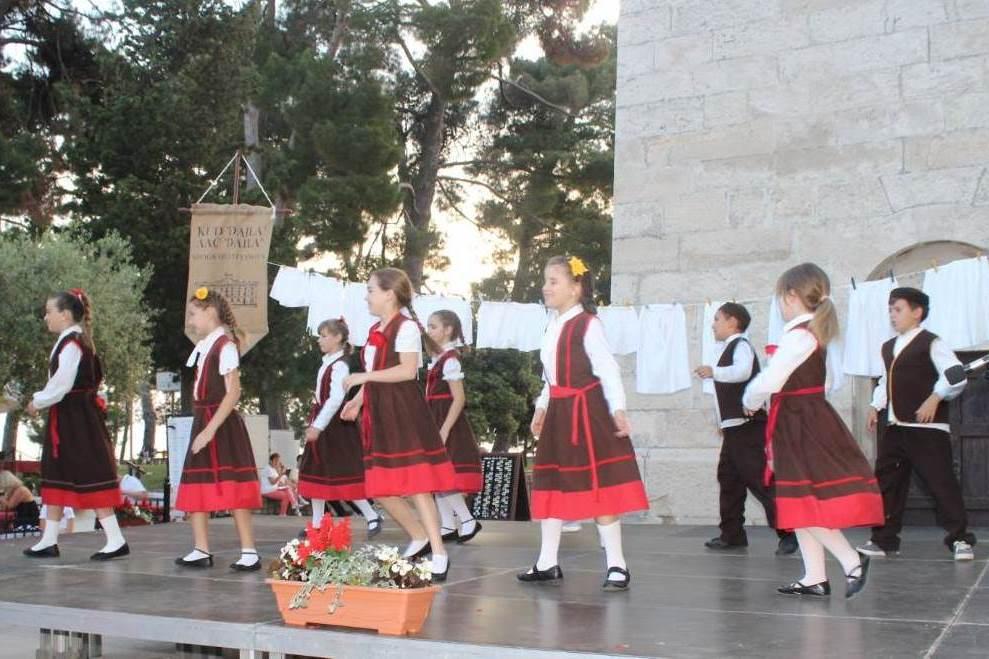 http://www.novigrad.hr/kud_dajla_upisuje_nove_chlanove_svih_uzrasta1