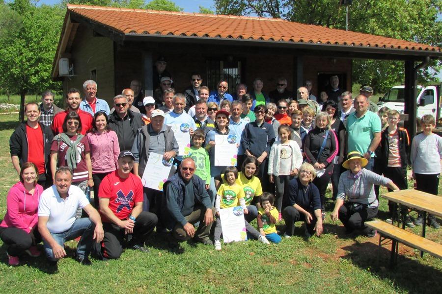 http://www.novigrad.hr/i_volontari_hanno_ripulito_il_circondario_nella_giornata_ecologica_cittanov