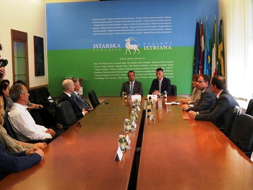 http://www.novigrad.hr/istarskim_poduzetnicima_60_milijuna_kuna_potpore_s_kamatom_ve_od_19_posto