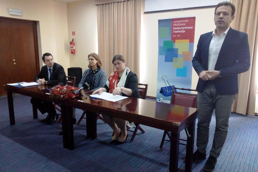 http://www.novigrad.hr/potpisan_ugovor_o_sufinanciranju_ureenja_ornitoloshkog_parka_na_ushu_mirne