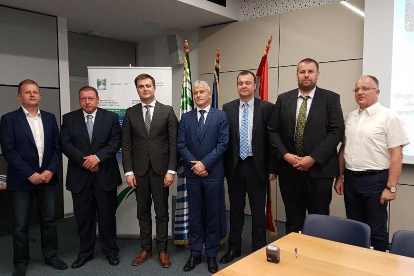 http://www.novigrad.hr/firmato_il_contratto_di_finanziamento_del_miglioramento_dellinfrastruttura