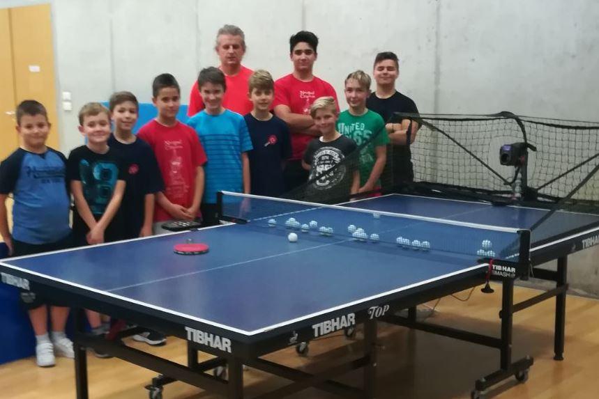 http://www.novigrad.hr/il_robot_roby_nuovo_membro_del_club_di_tennistavolo_di_cittanova