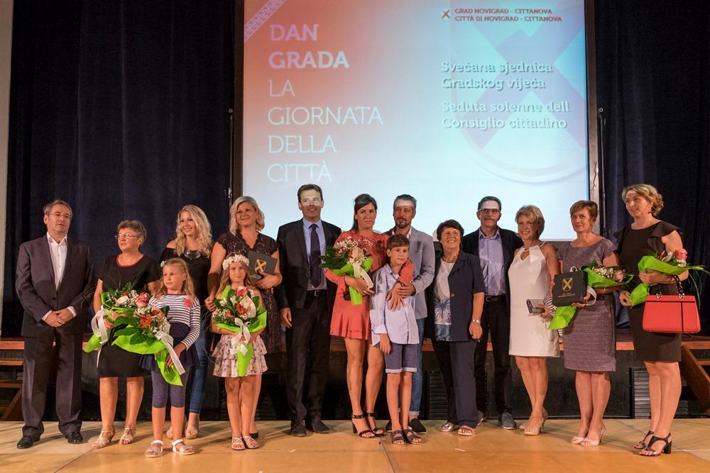 http://www.novigrad.hr/svechanom_sjednicom_gradskog_vijea_obiljezhen_dan_grada4