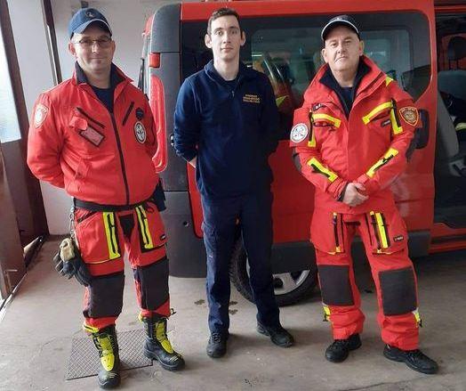 http://www.novigrad.hr/meu_istarskim_vatrogascima_koji_pomazhu_u_potresom_pogoenim_krajevima_je_i