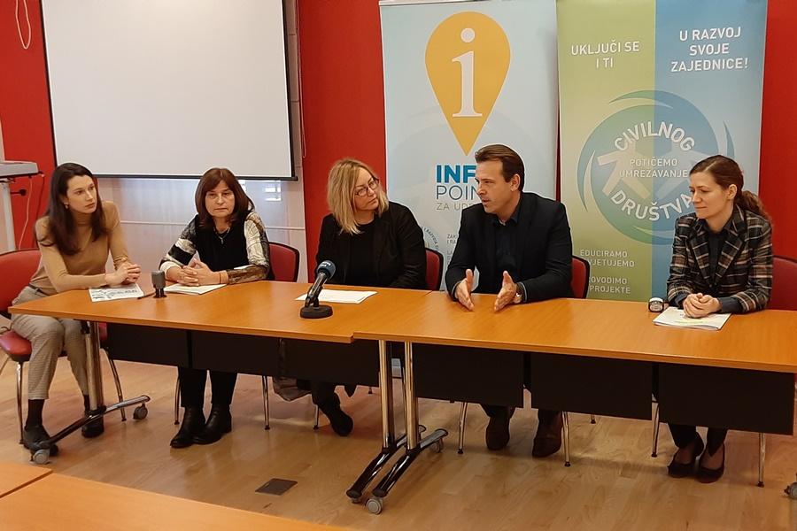http://www.novigrad.hr/38.000_hrk_per_la_biblioteca_civica_e_cittanova_sana_al_concorso_piccoli_pr