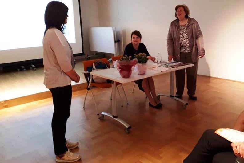http://www.novigrad.hr/odrzhano_predavanje_o_menopauzi