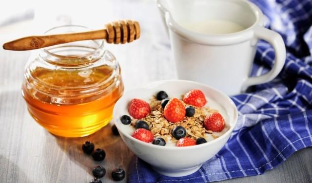 http://www.novigrad.hr/predavanje_ivan_kovach_med_u_svakodnevnoj_prehrani