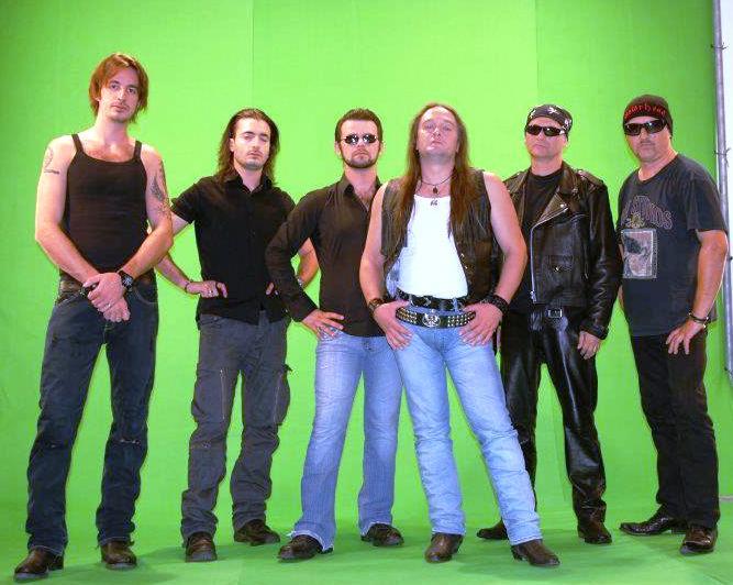 http://www.novigrad.hr/koncert_i_snimanje_video_spota_grupe_minotauro_i_orkestra_istriaphonic
