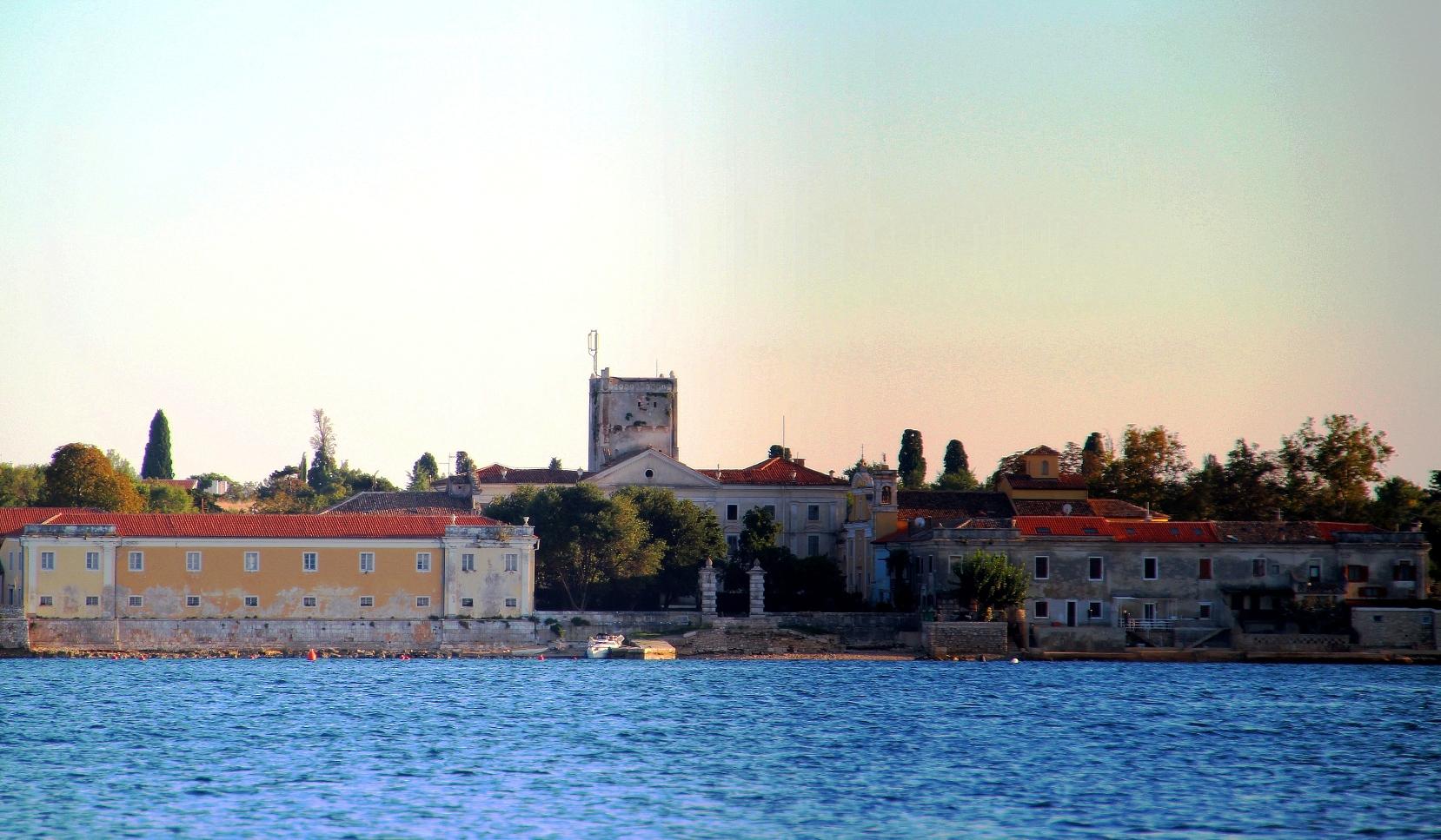 http://www.novigrad.hr/predstavljanje_diplomskih_radova_marine_paoleti_kristine_kulishi_i_emili_me