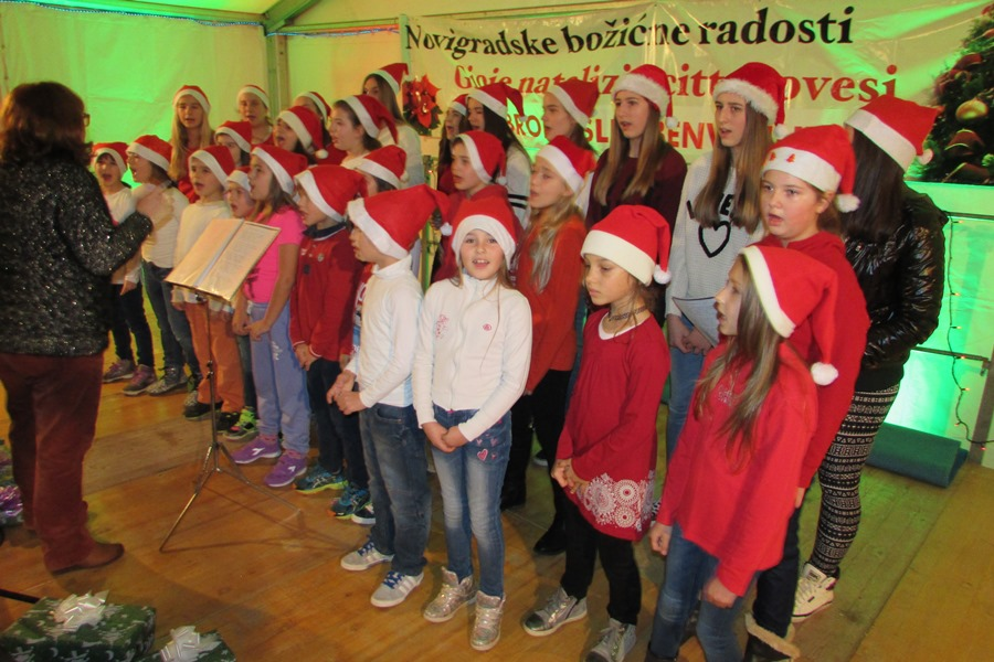 http://www.novigrad.hr/concluse_le_gioie_natalizie_cittanovesi