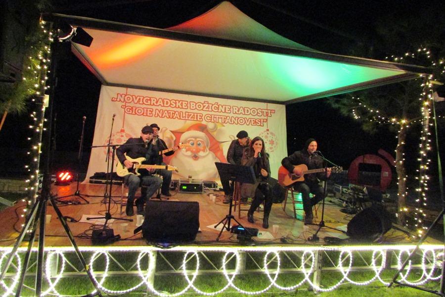 http://www.novigrad.hr/s_uspjehom_odrzhane_novigradske_bozhine_radosti