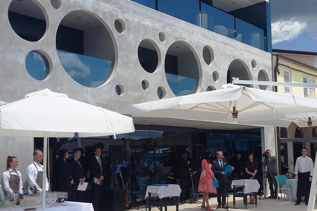 http://www.novigrad.hr/Sveano_otvoren_design_boutique_hotel_Rivalmare