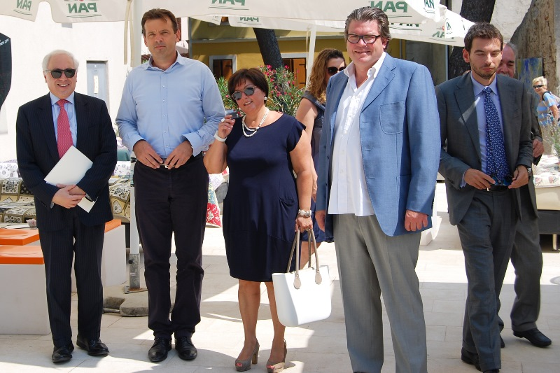 http://www.novigrad.hr/talijanski_ambasador_posjetio_novigrad