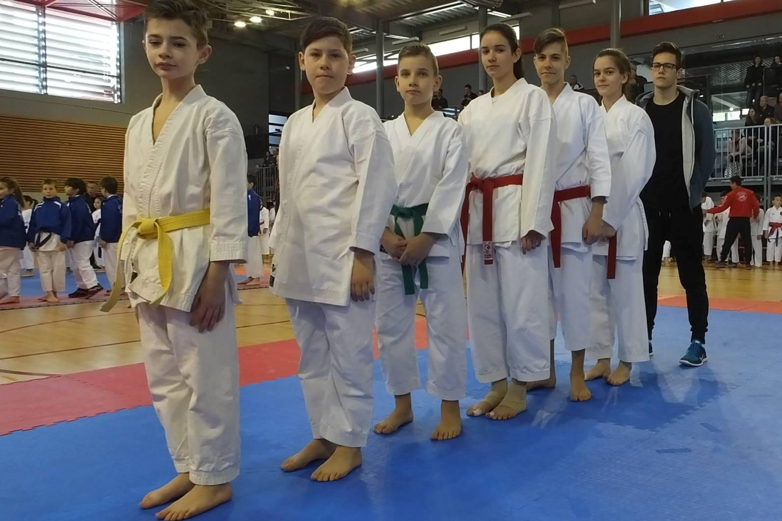 http://www.novigrad.hr/Novigradski_karatisti_uspjeni_na_upanijskom_prvenstvu_u_katama