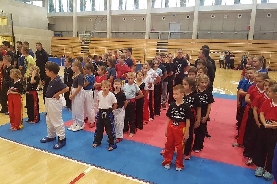 http://www.novigrad.hr/s_uspjehom_odrzhano_prvo_otvoreno_prvenstvo_novigrada_u_kickboxingu