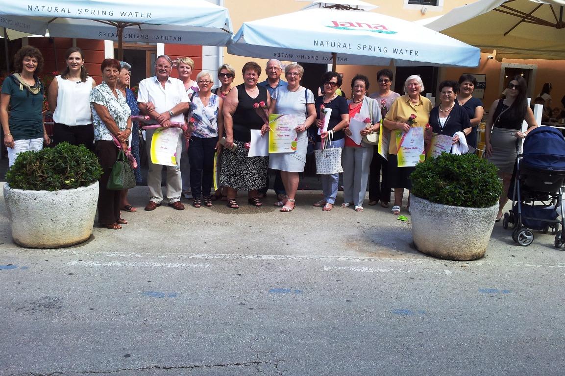 http://www.novigrad.hr/uruchene_nagrade_i_priznanja_novigradske_turistichke_zajednice_za_najureeni