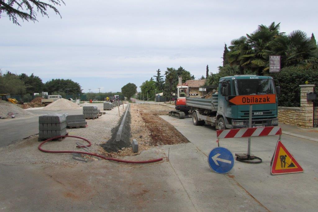 http://www.novigrad.hr/lavori_di_ampliamento_del_parcheggio_e_di_costruzione_di_un_campo_di_pallav