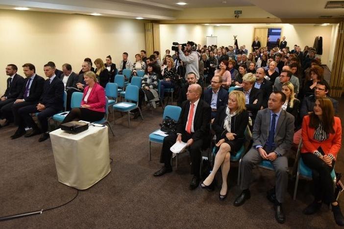 http://www.novigrad.hr/cittanova_ha_ospitato_la_manifestazione_educativa_rilancio_economico