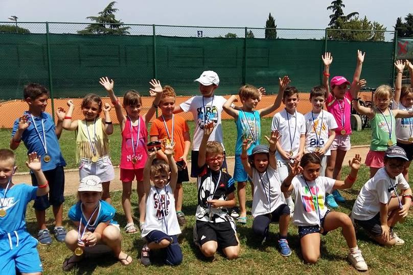 http://www.novigrad.hr/odrzhano_otvoreno_prvenstvo_novigrada_u_tenisu_i_mini_tenisu