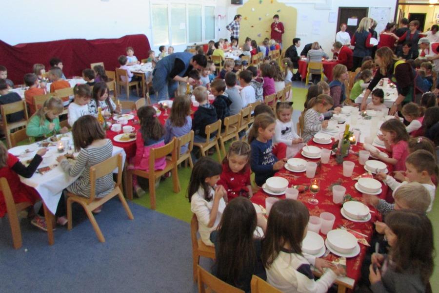 http://www.novigrad.hr/il_sindaco_al_pranzo_tradizionale_con_i_bambini_dellasilo