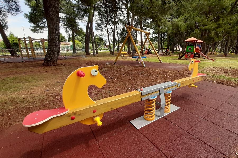 https://novigrad.hr/nuovi_contenuti_per_i_giochi_dei_bambini_al_parco_janez_ziherl