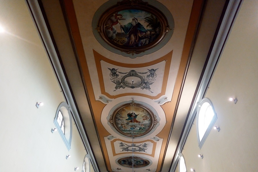 https://novigrad.hr/restauriran_svod_i_zamijenjena_bochna_vrata_novigradske_zhupne_crkve
