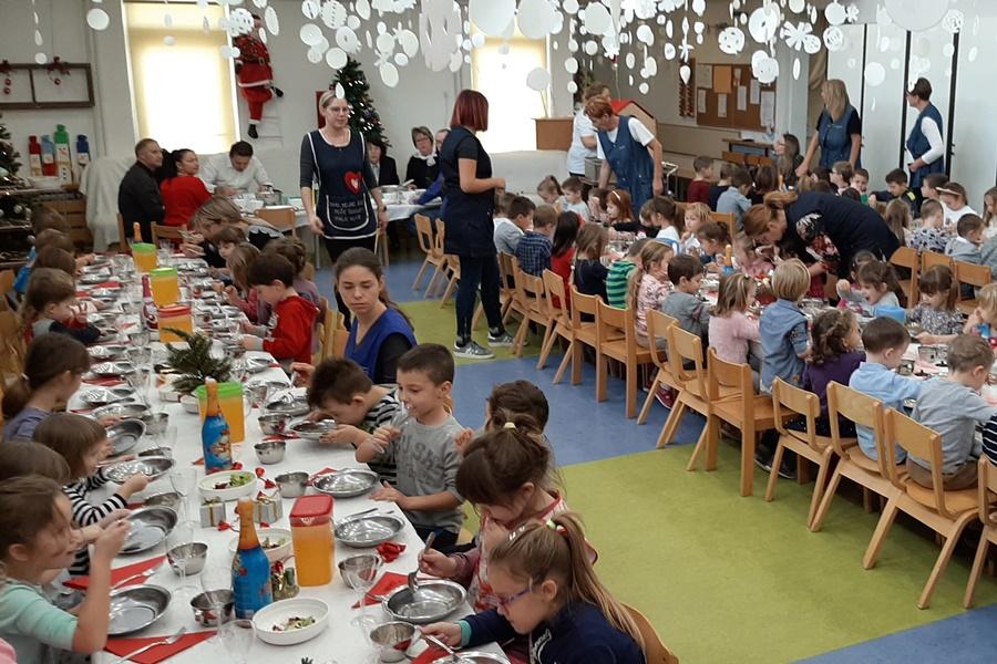https://novigrad.hr/i_bambini_dellasilo_hanno_ospitato_il_sindaco_al_pranzo_tradizionale_n