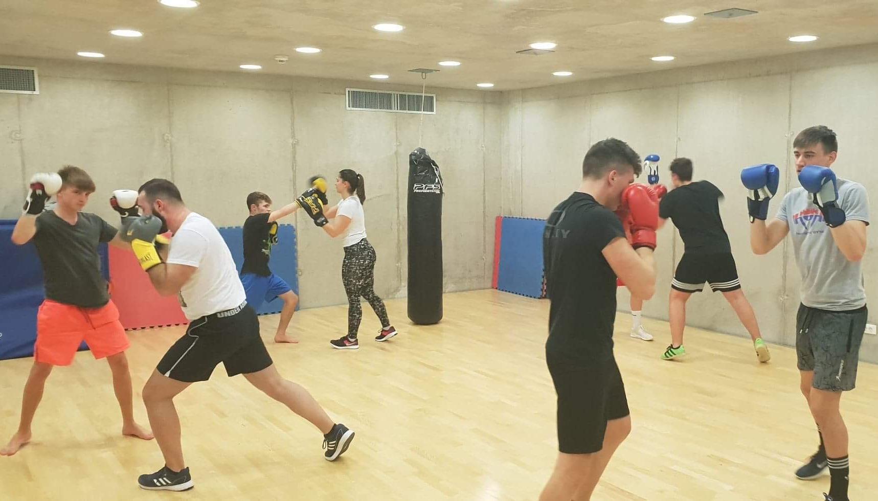 https://novigrad.hr/u_novigradskoj_sportskoj_dvorani_odnedavno_djeluje_kick_boxing_klub_novigra